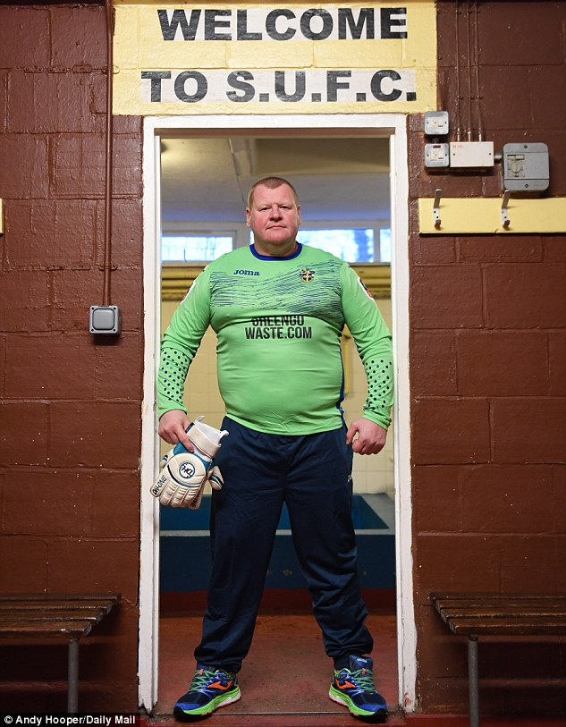 3CF90CFB00000578-4232640-Sutton_United_goalkeeper_Wayne_Shaw_has_become_one_of_the_faces_-a-3_1487294322514